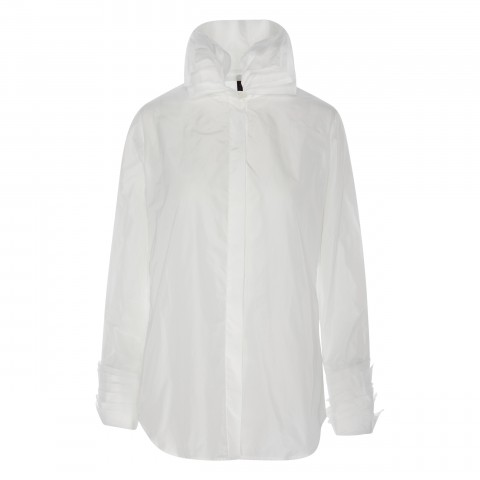 camisa tecnológica blanca